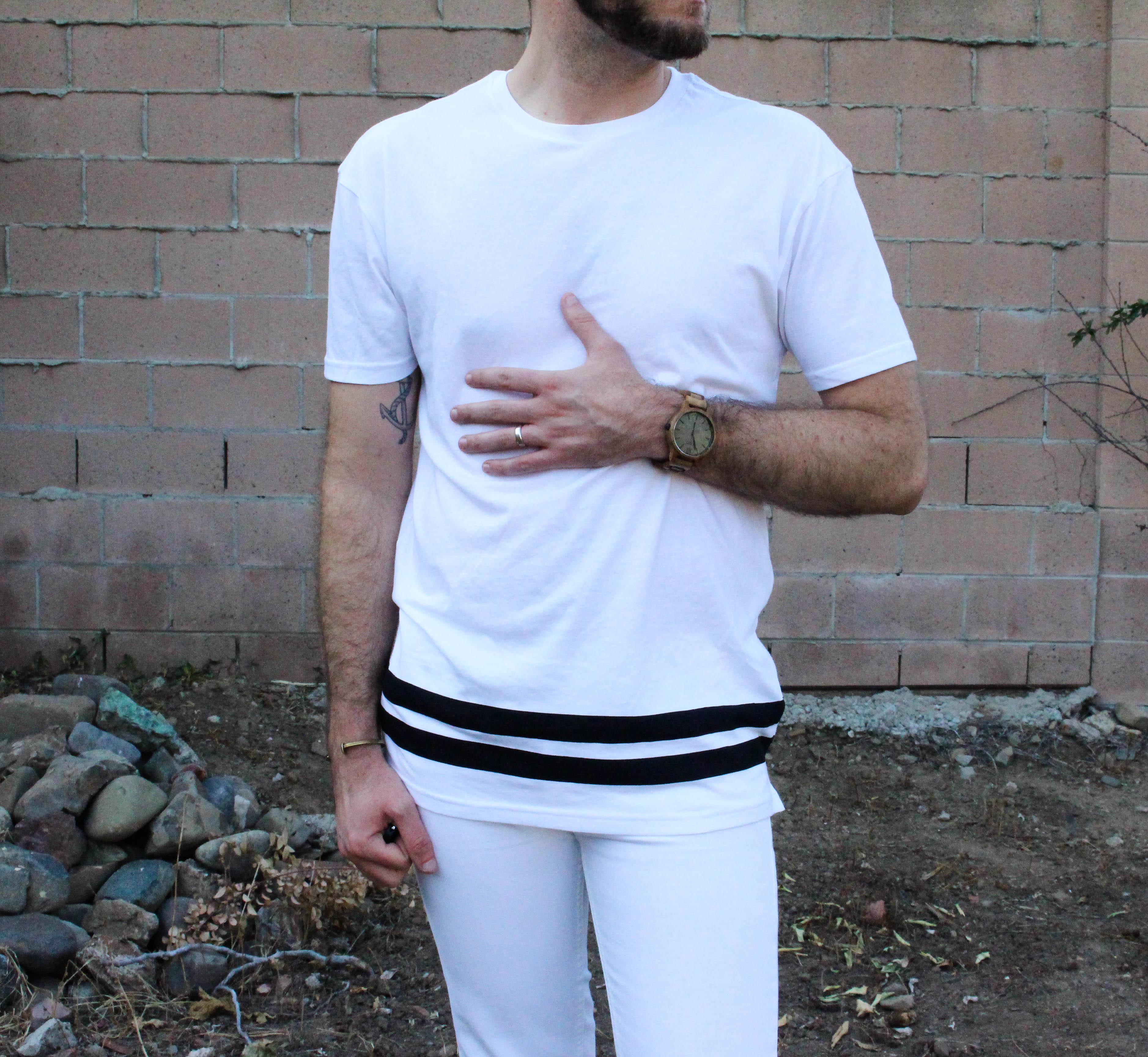 how to wear a white tee shirt-6