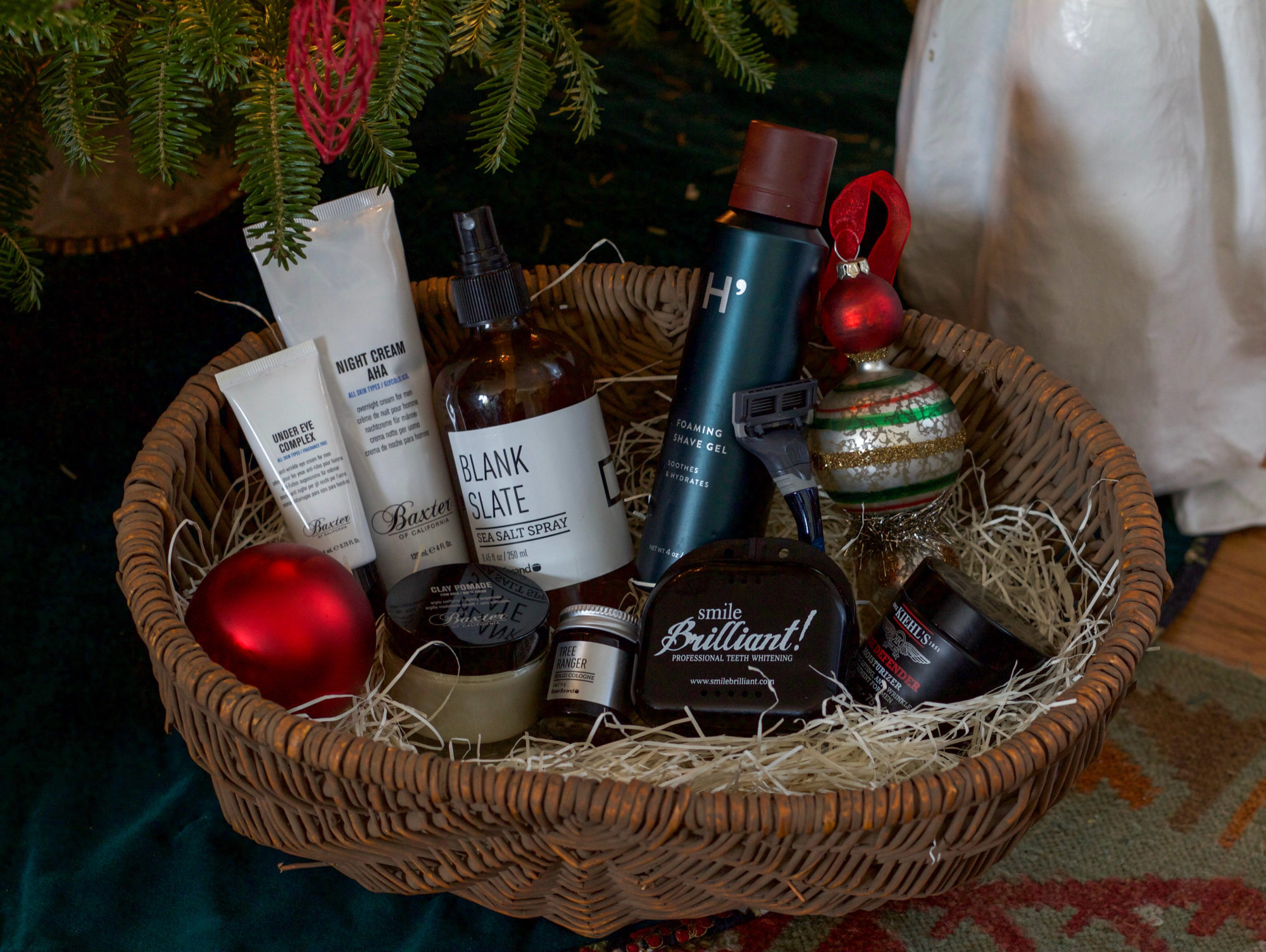 holiday-grooming-gift-guide-men-1