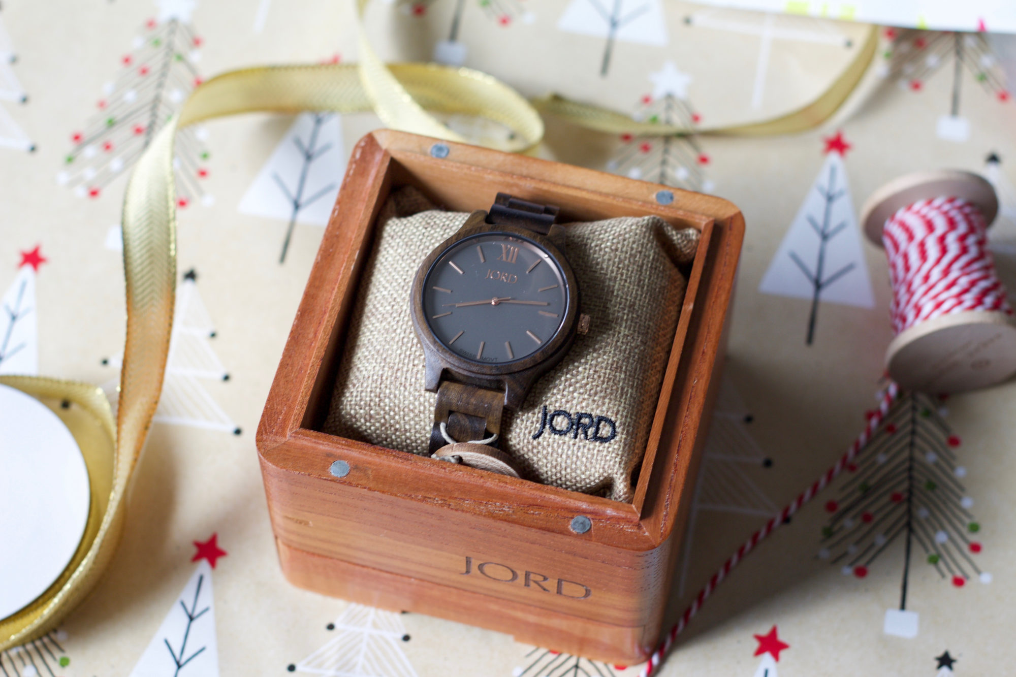 jord-wood-watch-unique-holiday-gift-engraved-1